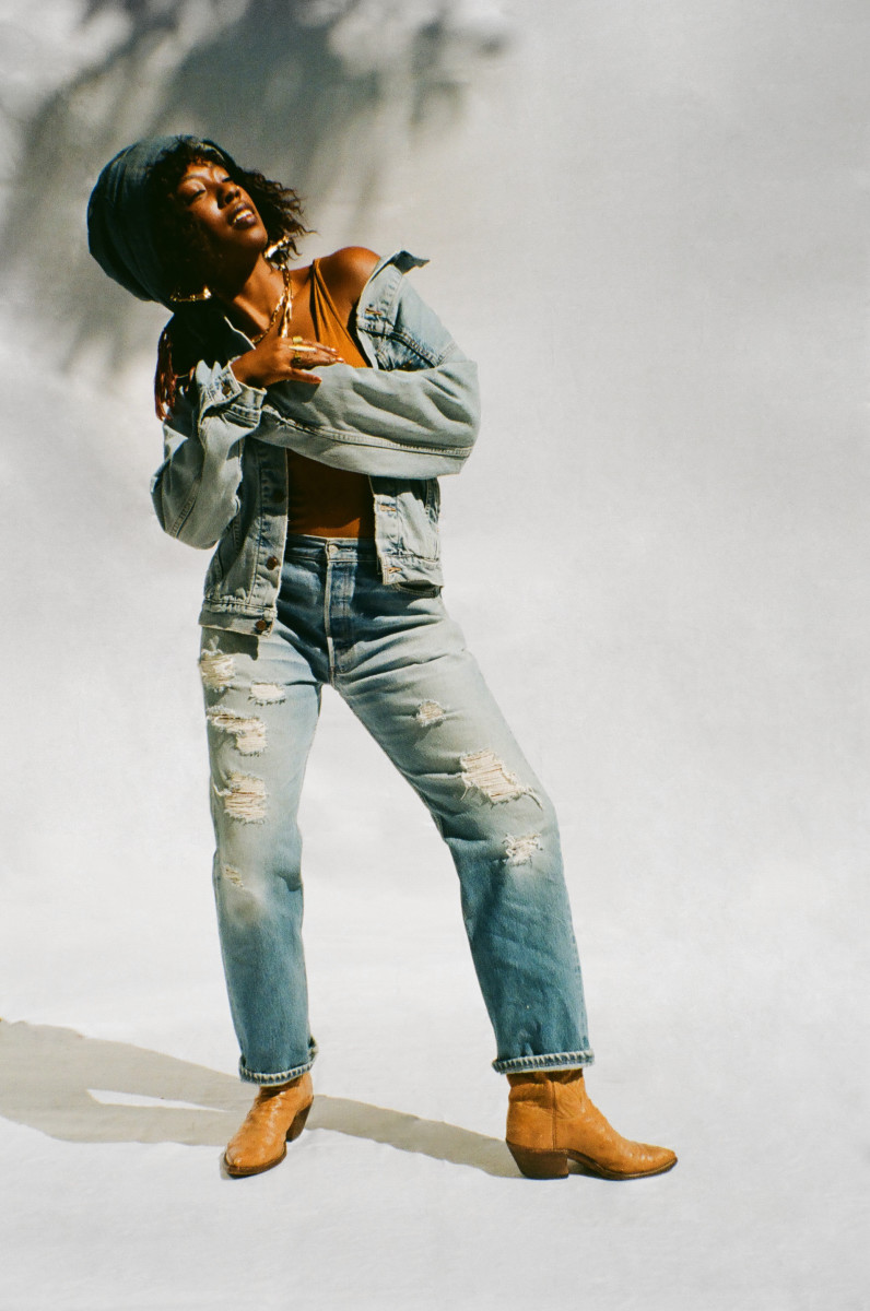 Dominique Drakeford in Levi's SecondHand.