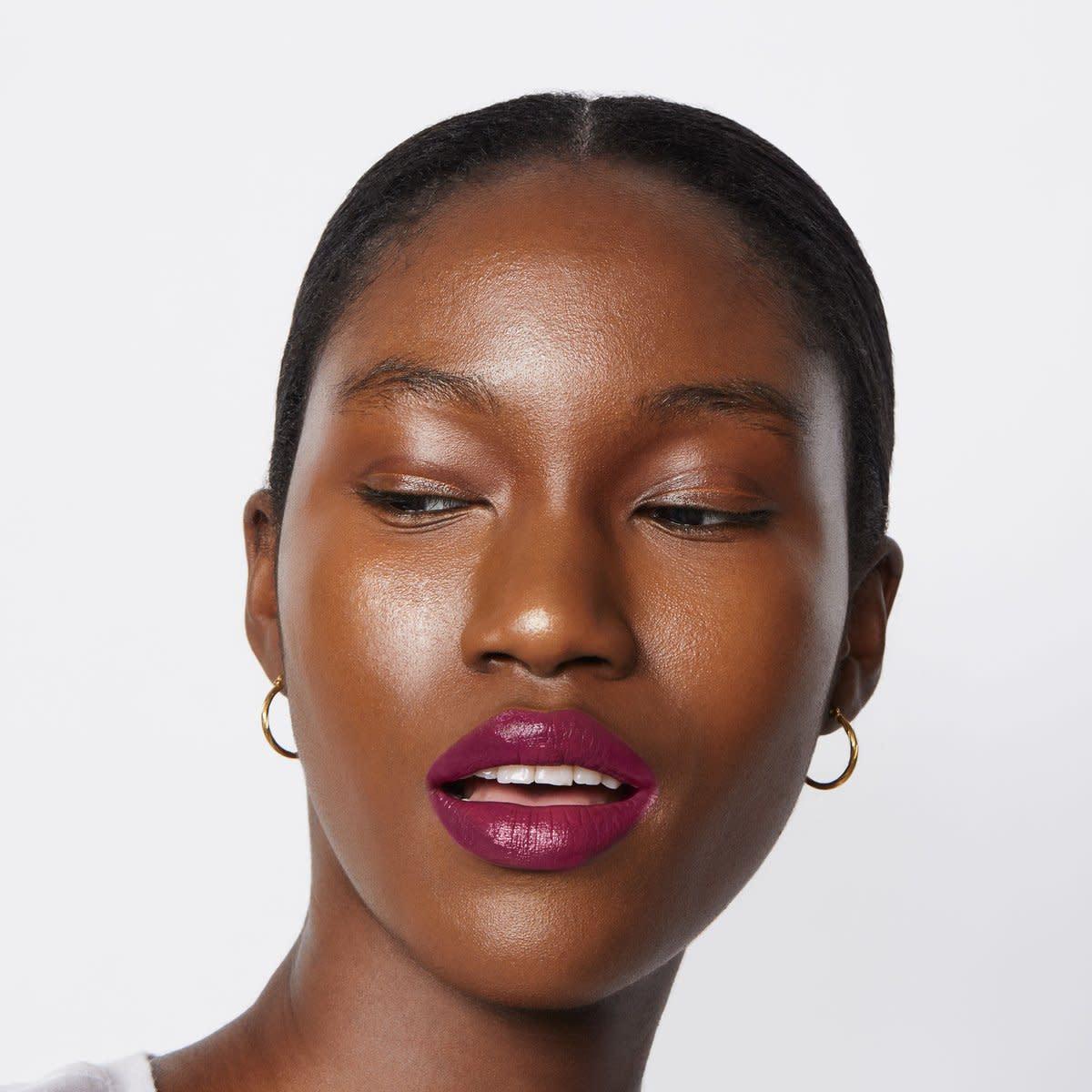 uoma-badass-icon-lipstick-promo