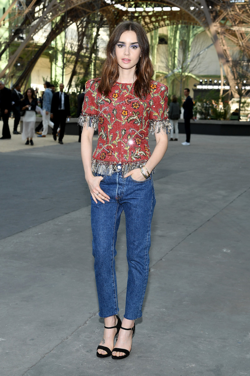 lily-collins-chanel-couture-levis