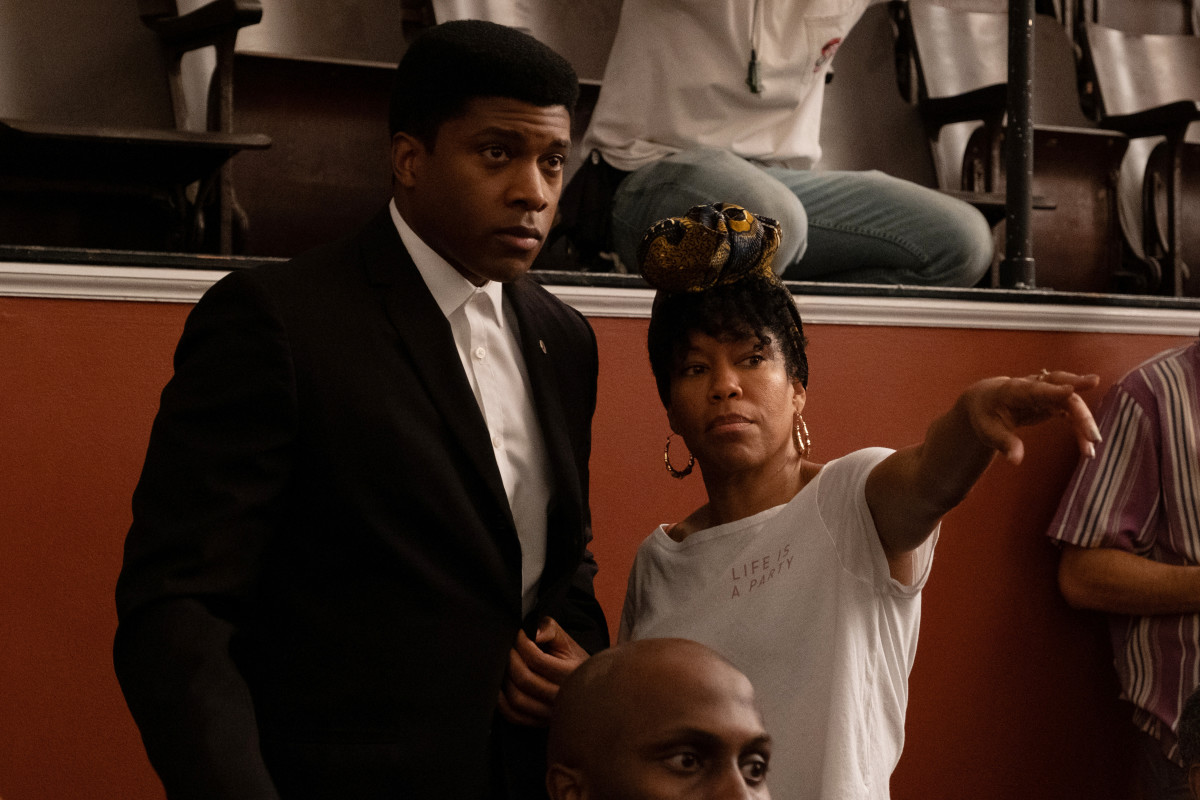 Cassius Clay (Eli Goree) and director Regina King.