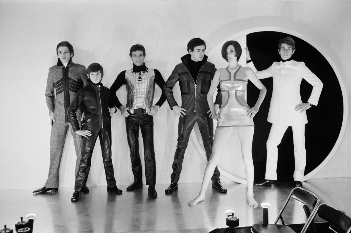Models presenting a new Pierre Cardin collection in 1968.