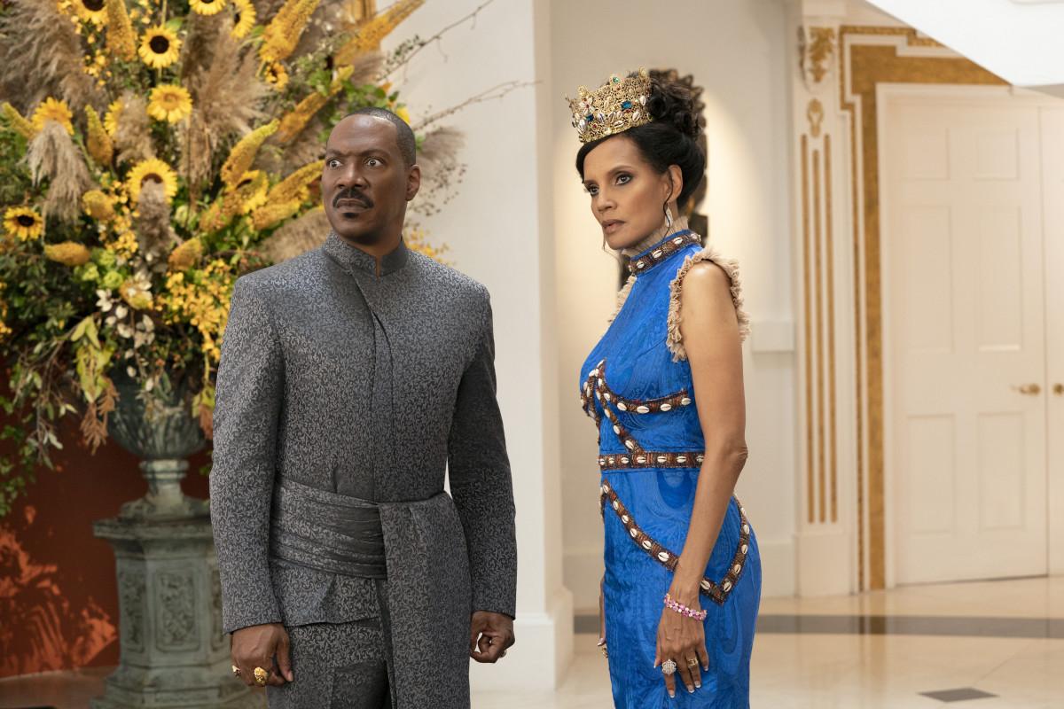 Akeem and Queen Lisa (Shari Headley).