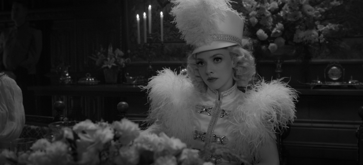 Amanda Seyfried as Marion Davis in 'Mank.'