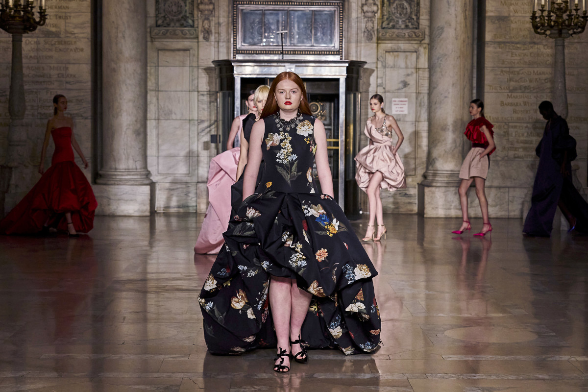 Tess McMillan was the only curve model to walk the runway at Oscar de la Renta's Fall 2020 show. She also appeared in Prabal Gurung's presentation during New York Fashion Week.