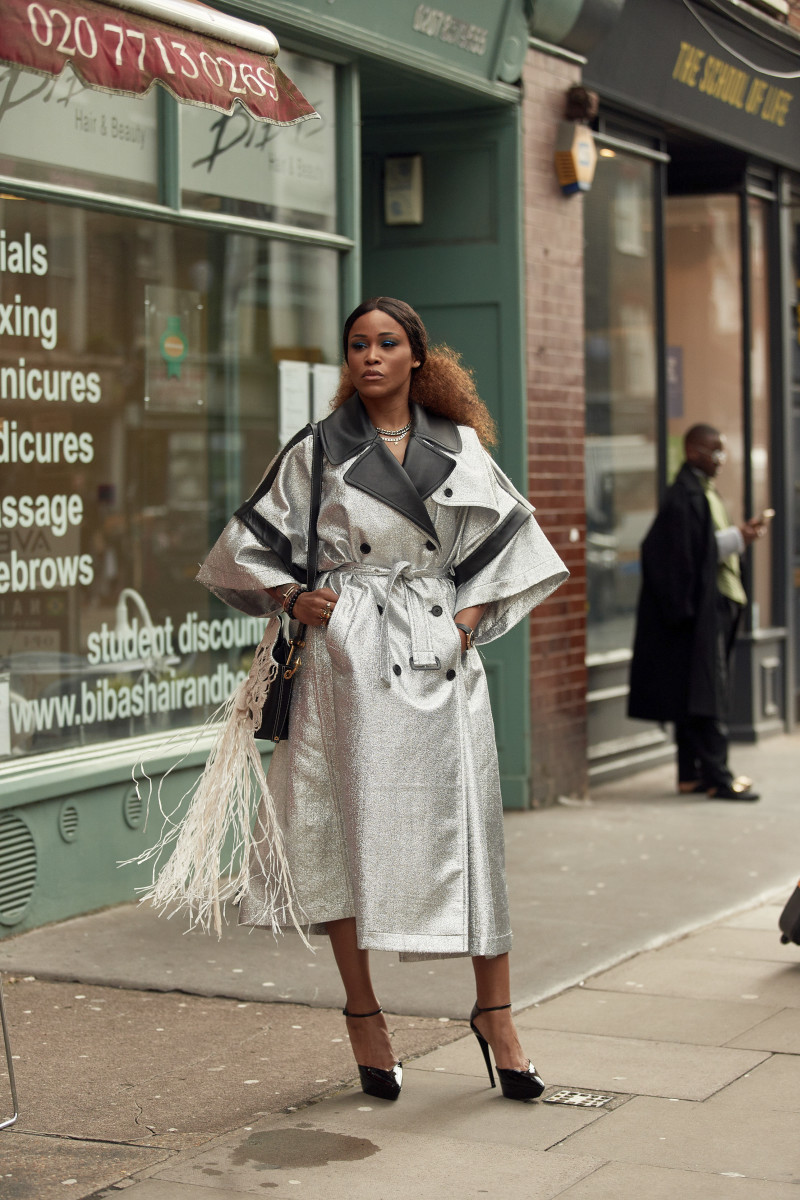 On the street at London Fashion Week Fall 2020. Photo: Imaxtree