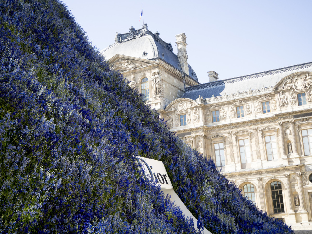 Dior's venue for itsSpring 2016 ready-to-wear show wascreated by Bureau Betak.