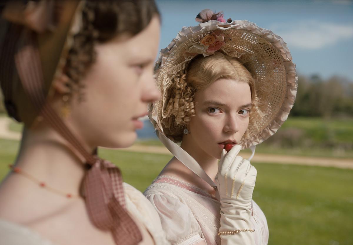 Harriet (Mia Goth) and Emma (Anya Taylor-Joy).