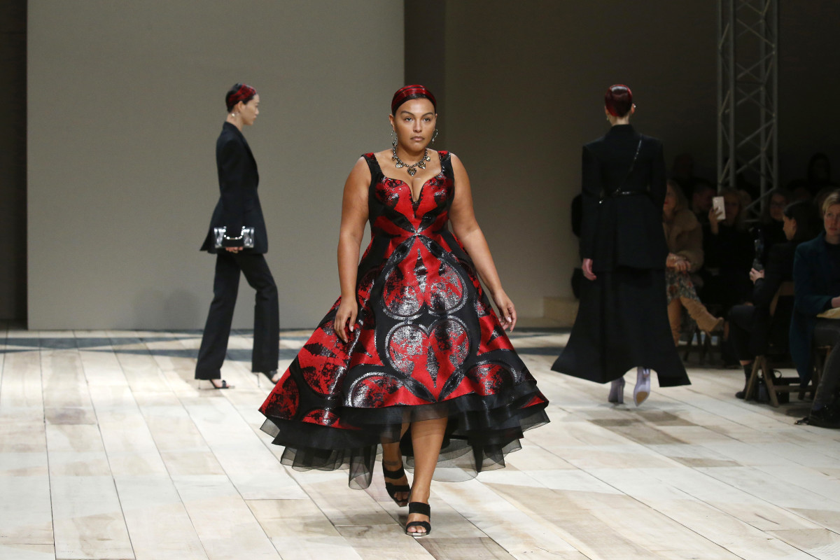 Paloma Elsesser at Alexander McQueen's Fall 2020 show.