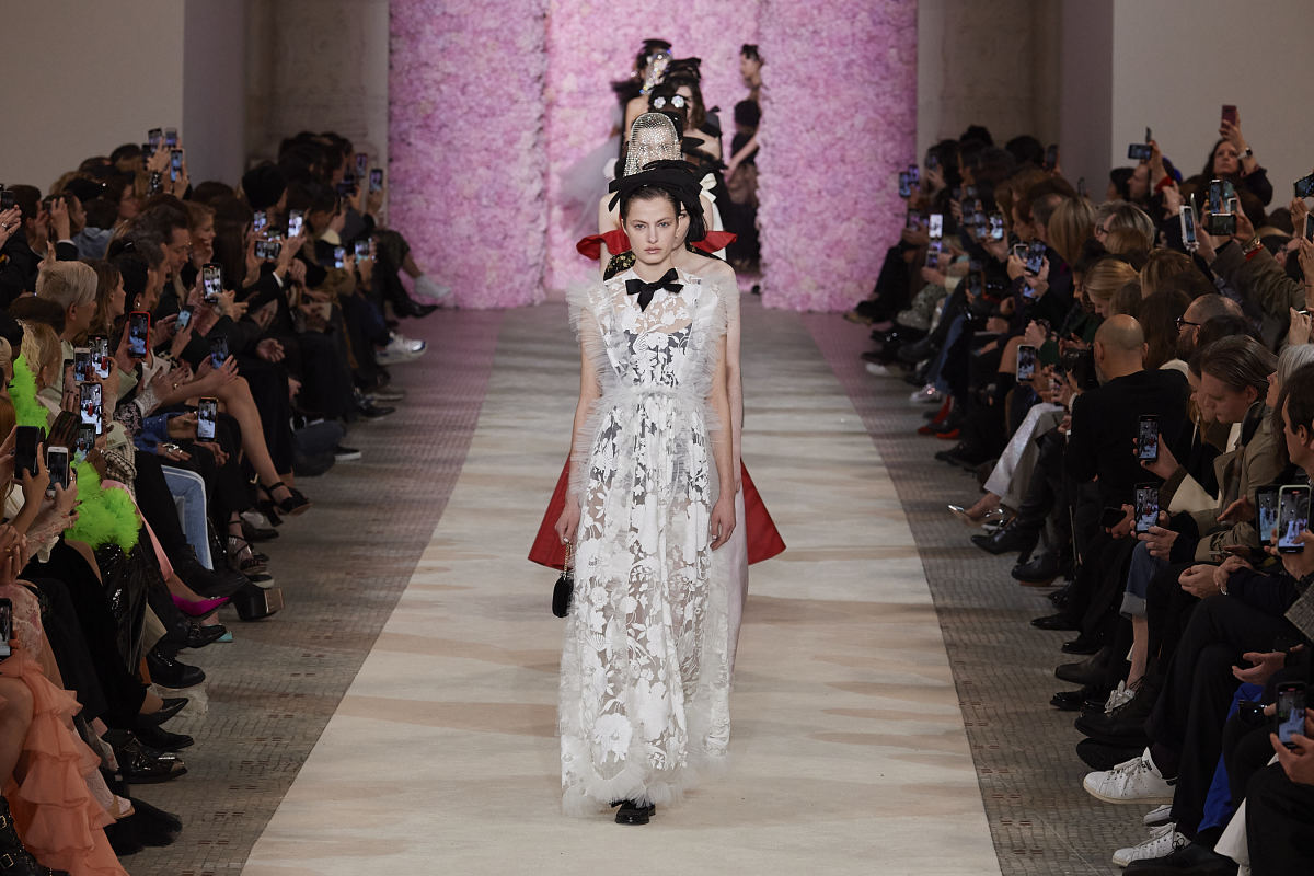 The finale from Giambattista Valli's Fall 2020 runway show.