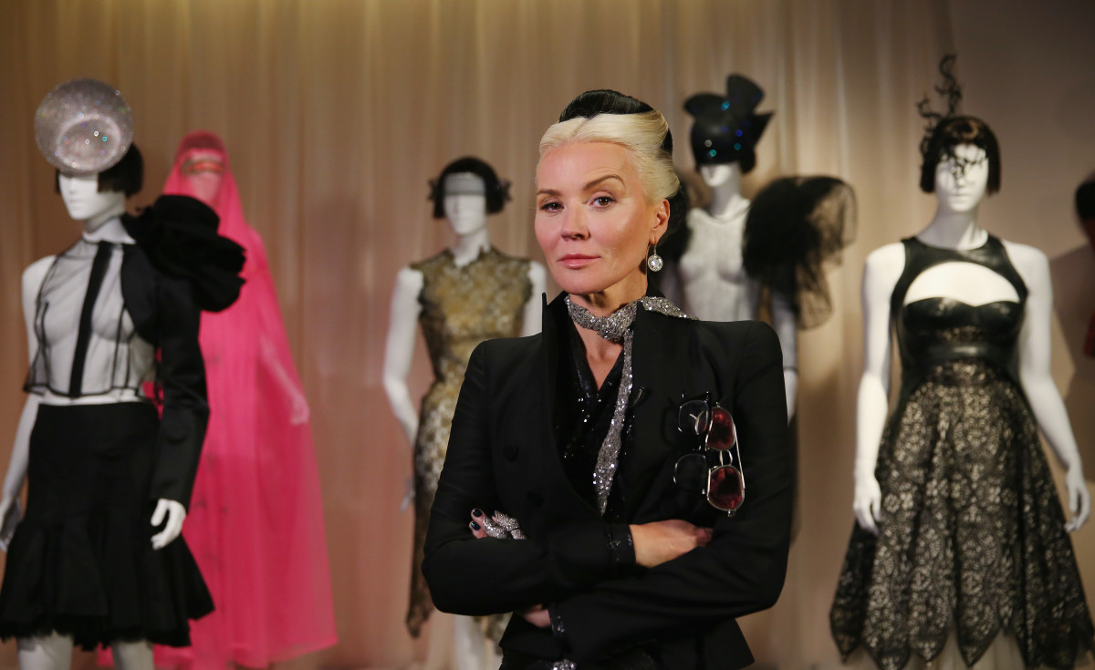 >tfw Daphne Guinness wants you to smash that mf follow button.