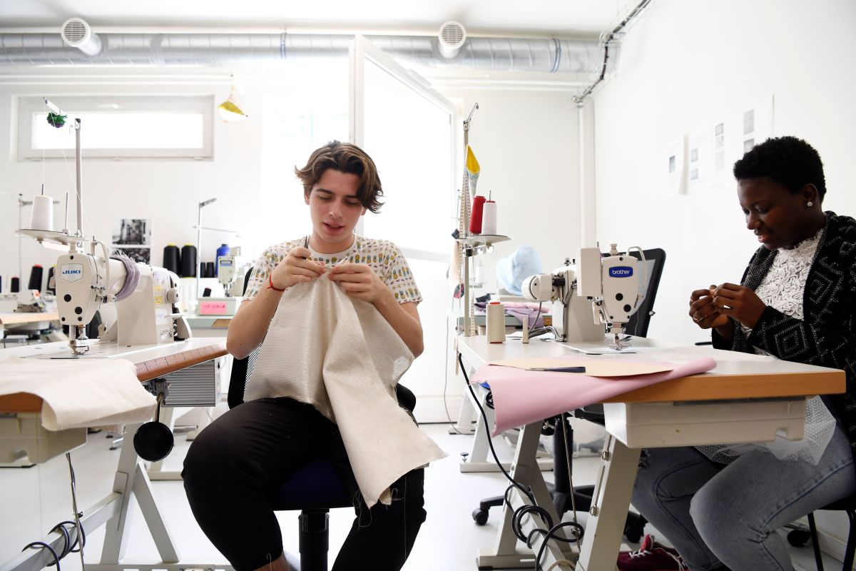 Covid 19 Pushes Fashion Design Schools Into An Increasingly Digital Future Fashionista