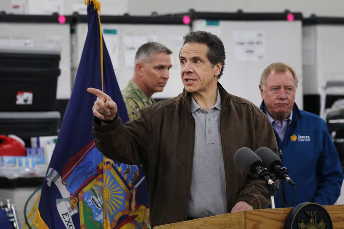 New York Governor Andrew Cuomo in a more casual look.