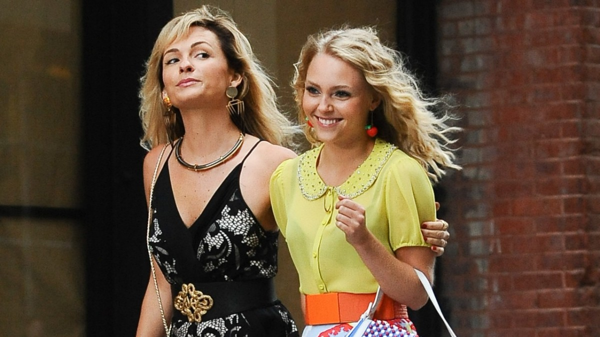 How I Shop: AnnaSophia Robb
