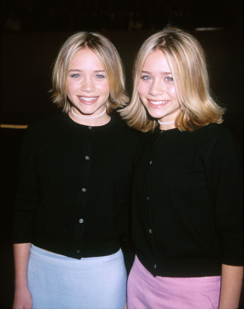 Mary-Kate e Ashley Olsen em 1999.