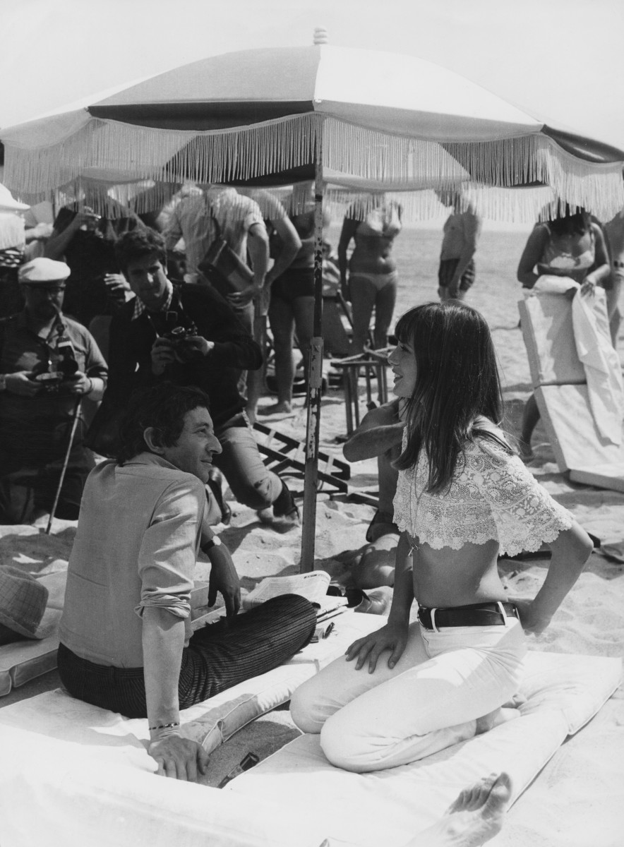 Jane Birkin with Serge Gainsbourg on the beach at Cannes in 1969.