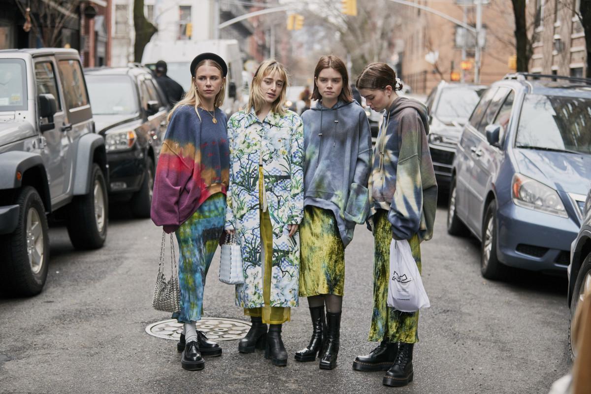 shop-tie-dye-sweatshirt