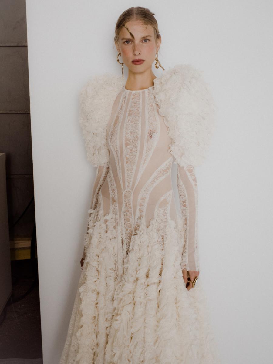 Alexander-McQueen-Spring-2020-Backstage-Chloe Le Drezen