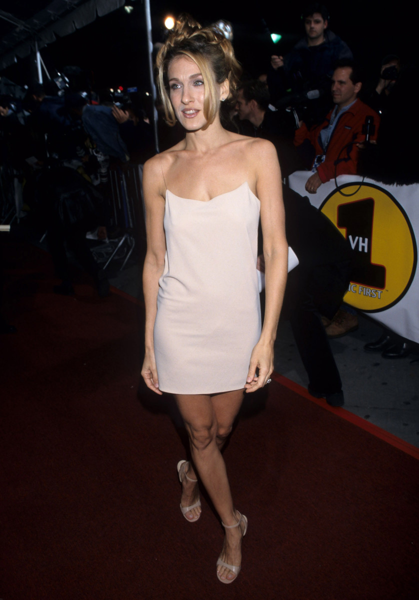 "Sarah Jessica Parker in DKNY at the 1997 VH1 ""Vogue"" Fashion Awards"