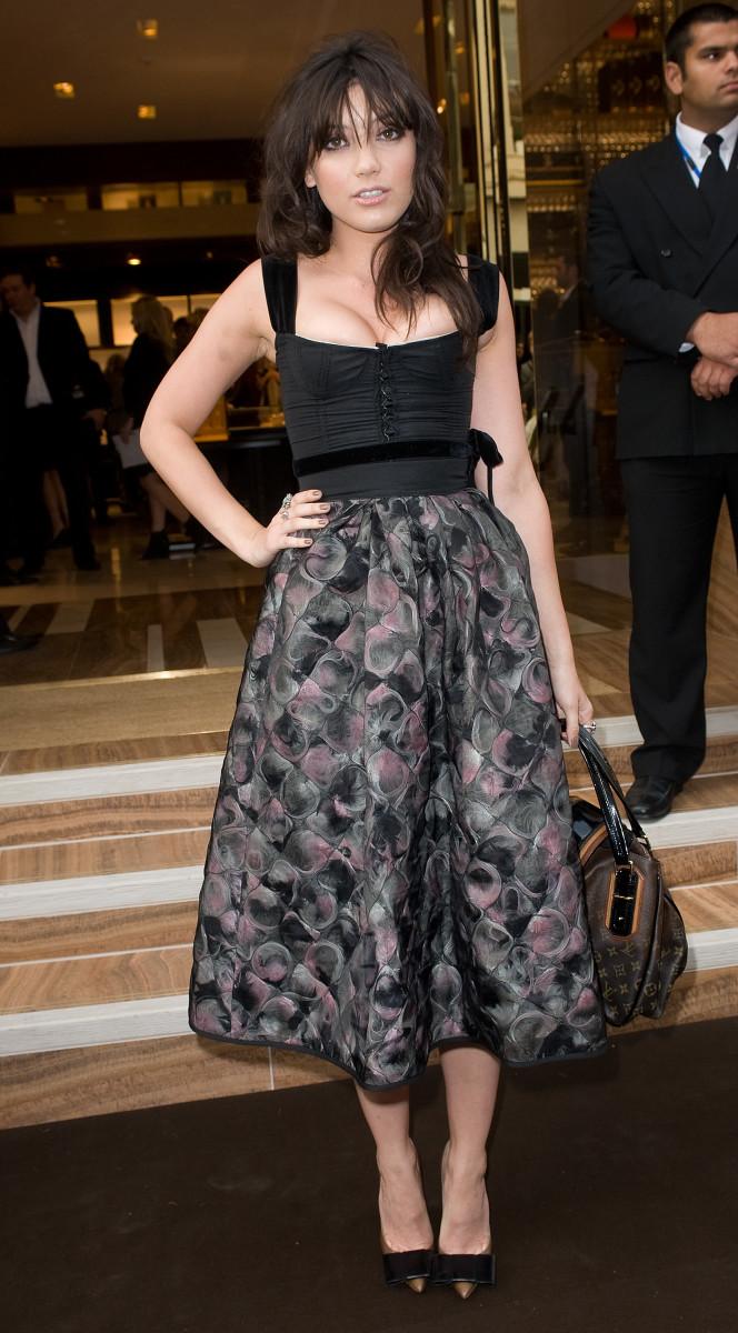 Celebrity Fashion: daisy-lowe-louis-vuitton-tumble-2010