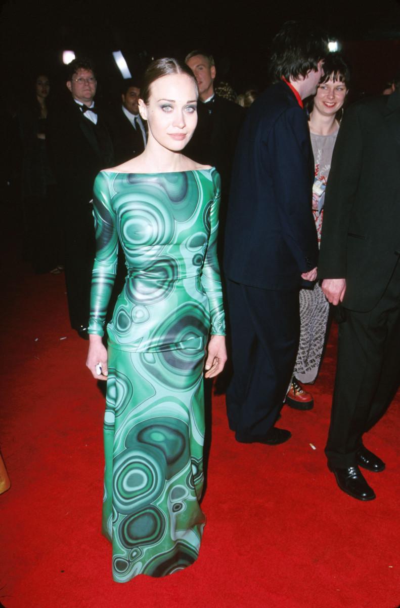 fiona apple 2000 oscars dress