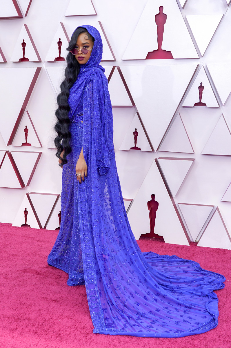 H.E.R. attends the 93rd Annual Academy Awards