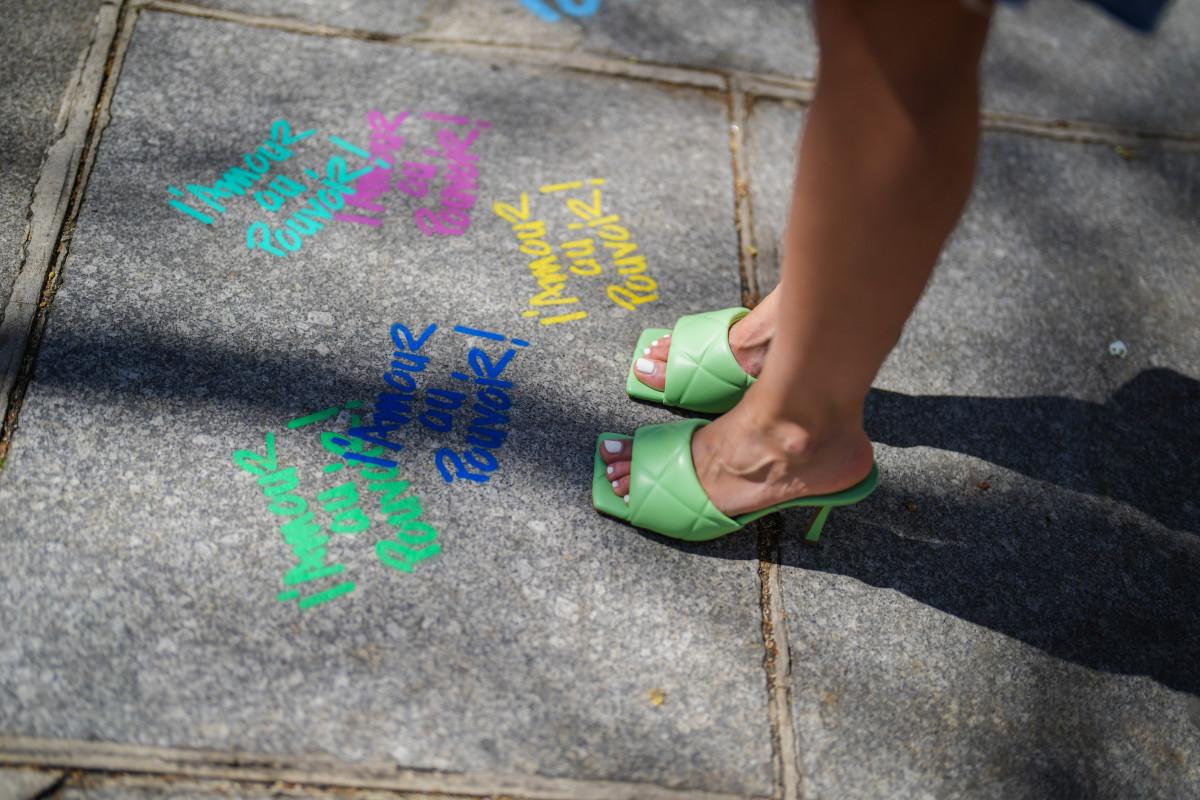 memorial-day-2021-sandal-sales