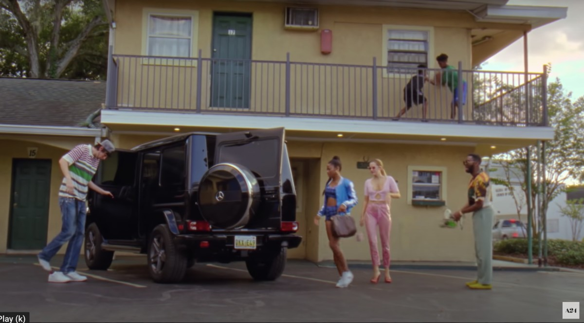 Derek (Nicholas Braun), Zola with her LV Speedy, Stefani and X (Colman Domingo) take off for Oz.