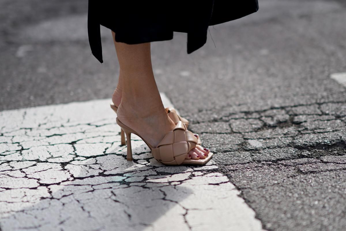 online-sales-nude-heels-july-9