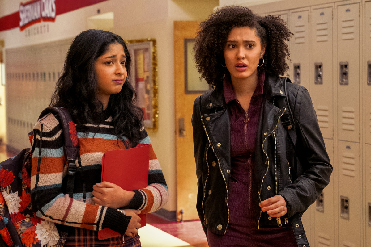 """""""Look at all these zippers! Some don't even come with pockets."""" Devi (Ramakrishnan) and Fabiola (Rodriguez) in season two of 'Never Have I Ever.'"""