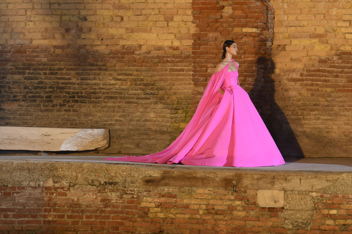 valentino couture fall 2021 2